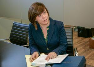 Image of Julie Manser working